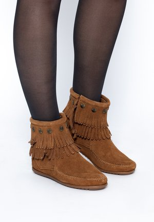 DOUBLE FRINGE SIDE ZIP - Ankle boots - cannelle