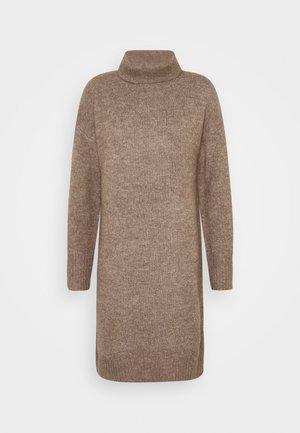 Strikket kjole - light brown melange
