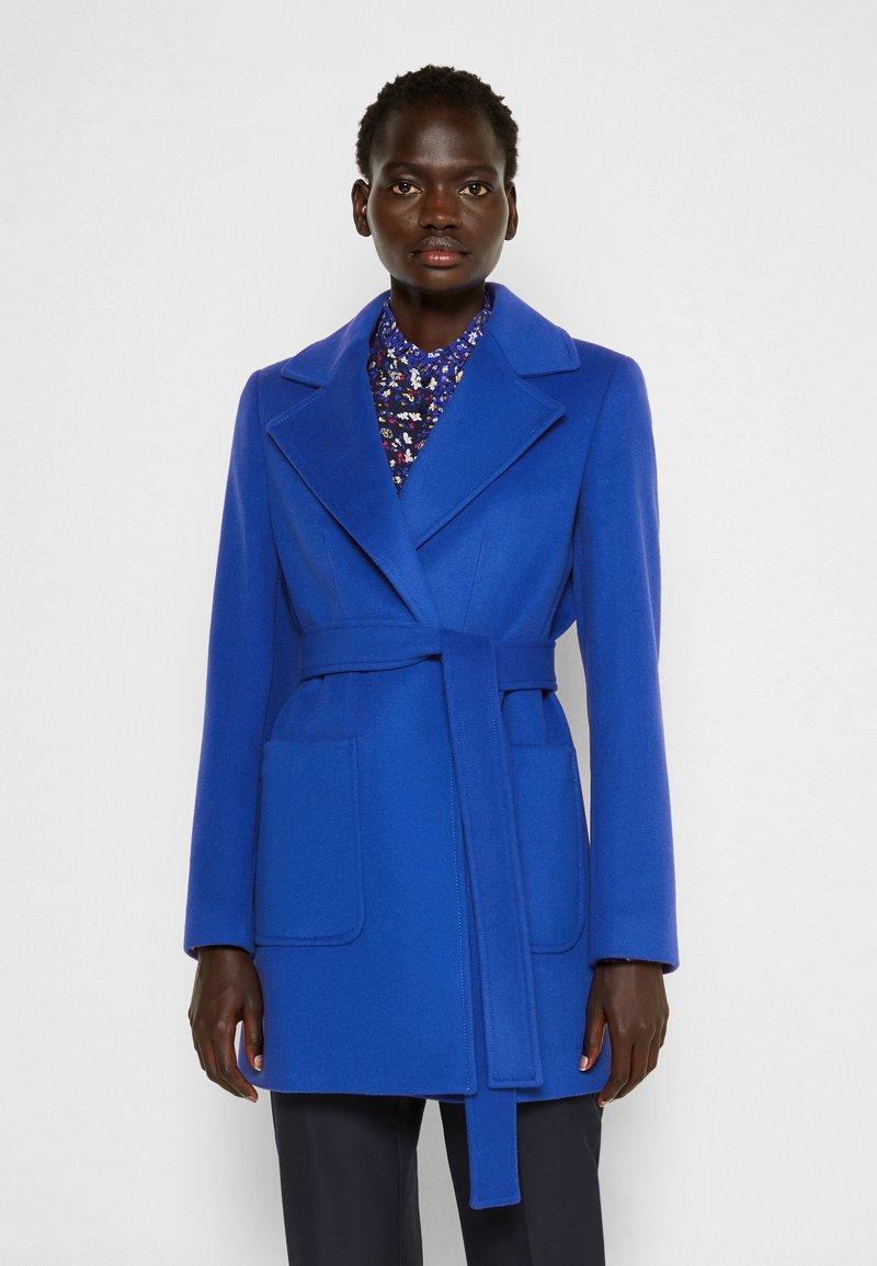 MAX&Co. - SRUN - Short coat - cornflower blue