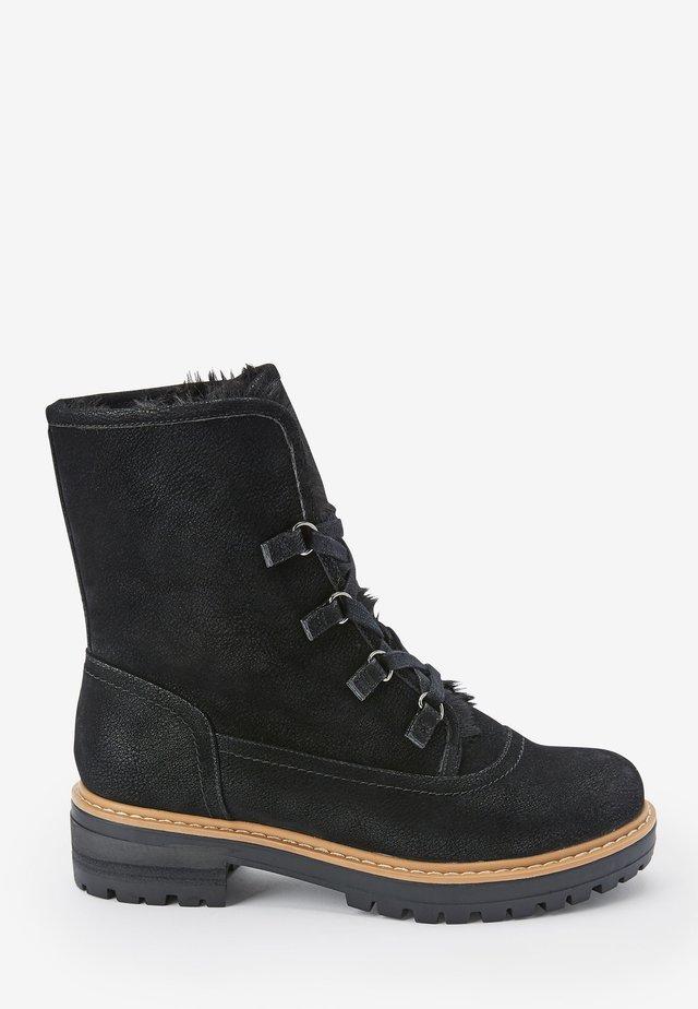 FOREVER COMFORT® - Šněrovací kotníkové boty - black