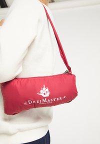 DreiMaster - STEPP - Waistcoat - rot - 3