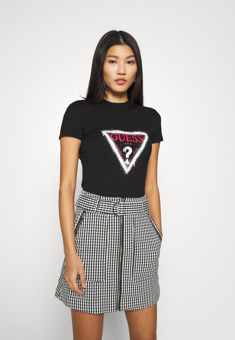 Guess - CALLISTA  - T-shirt con stampa - jet black
