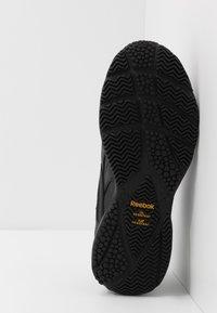 Reebok - WORK N CUSHION 4.0 - Sportieve wandelschoenen - black/cold grey - 4