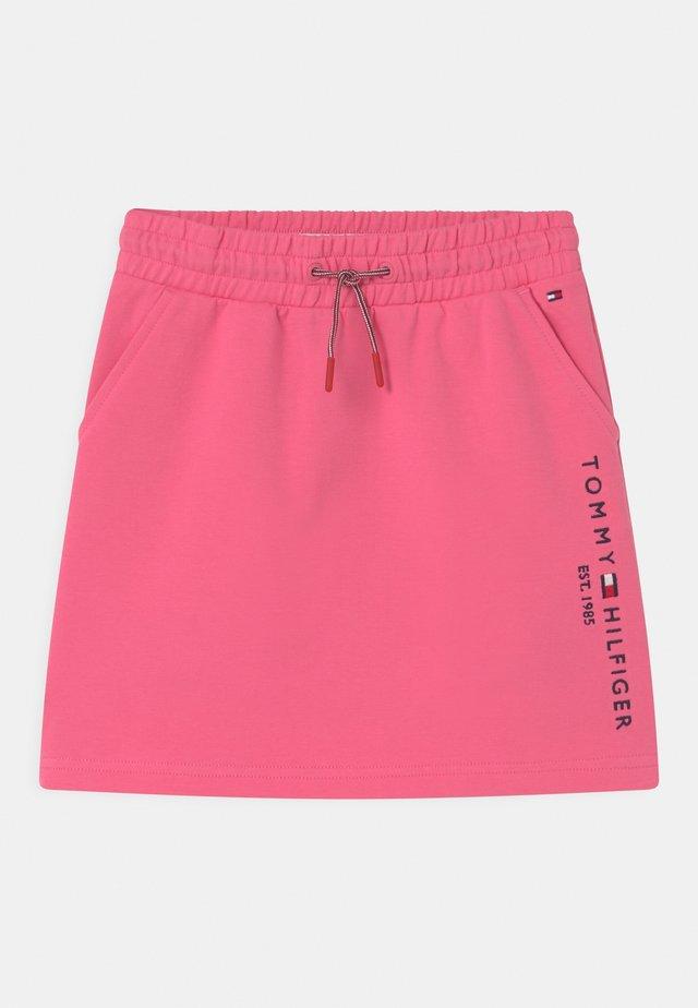 ESSENTIAL - Minifalda - exotic pink