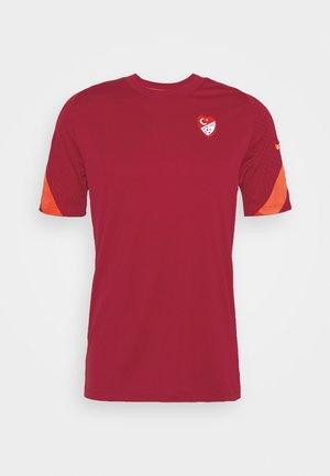 TÜRKEI  - National team wear - red crush/habanero red