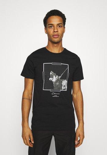 DOBERMAN TEE - Print T-shirt - black