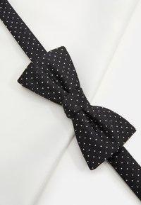 Selected Homme - SLHLANDON BOWTIE GIFTBOX SET - Kapesník do obleku - black - 6