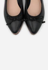 Anna Field - LEATHER  - Ballerina - black - 5