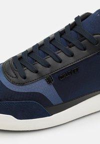 Cruyff - CONTRA - Joggesko - blue/black - 5