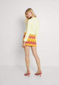 Free People - HEAT OF THE MOMENT CROCHE - Mini skirt - orange/pink - 2