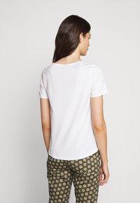 WEEKEND MaxMara - MULTIC - Basic T-shirt - weiss - 2