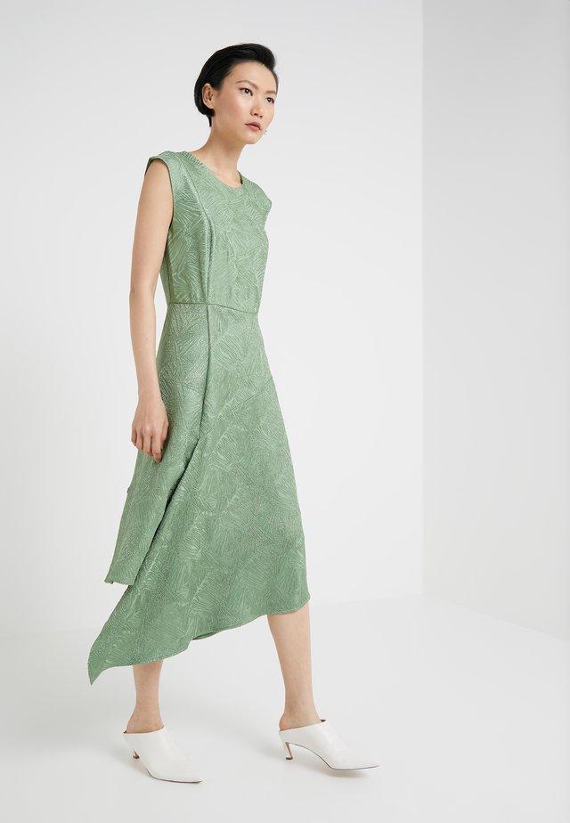 LETHIA - Vestito estivo - turf green