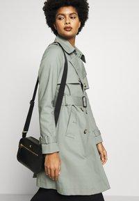 Lauren Ralph Lauren - HAYES - Across body bag - black - 1