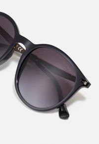 Emporio Armani - MODERN - Okulary przeciwsłoneczne - black - 4
