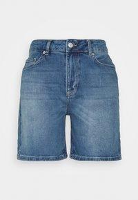 Selected Femme - SLFSILLA FOL UP - Short en jean - medium blue denim - 0