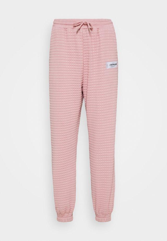 WAFFLE PANT - Teplákové kalhoty - spin