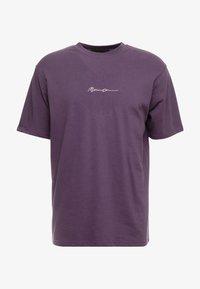 ESSENTIAL SIG UNISEX - Basic T-shirt - purple