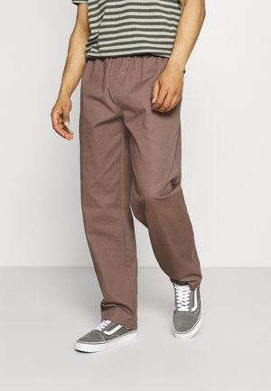 EASY PANT - Tygbyxor - grey grape