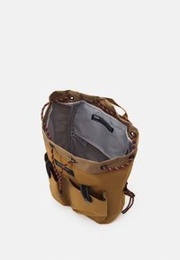 Levi's® - NAUTICAL BACKPACK UNISEX - Batoh - regular khaki - 2