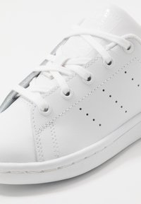 adidas Originals - STAN SMITH - Tenisky - footwear white/core black - 2
