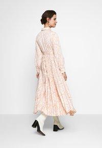 Glamorous Bloom - Sukienka koszulowa - nude - 2