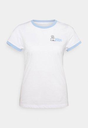 RINGER TEE NYC - T-shirt z nadrukiem - white/aluminum