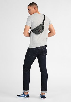 SPRINGER ORIGINAL  - Bum bag - crafty moss