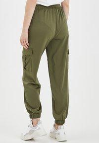 b.young - BXJUNOL PANTS W. POCKETS WOVEN - Pantalon classique -  green - 3