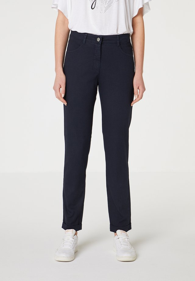 CON BOLSILLOS - Jeans slim fit - azul marino