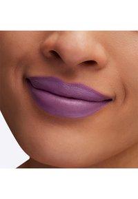 MAC - BOTANIC PANIC LIPSTICK - Lipstick - forget-me-naughty - 3