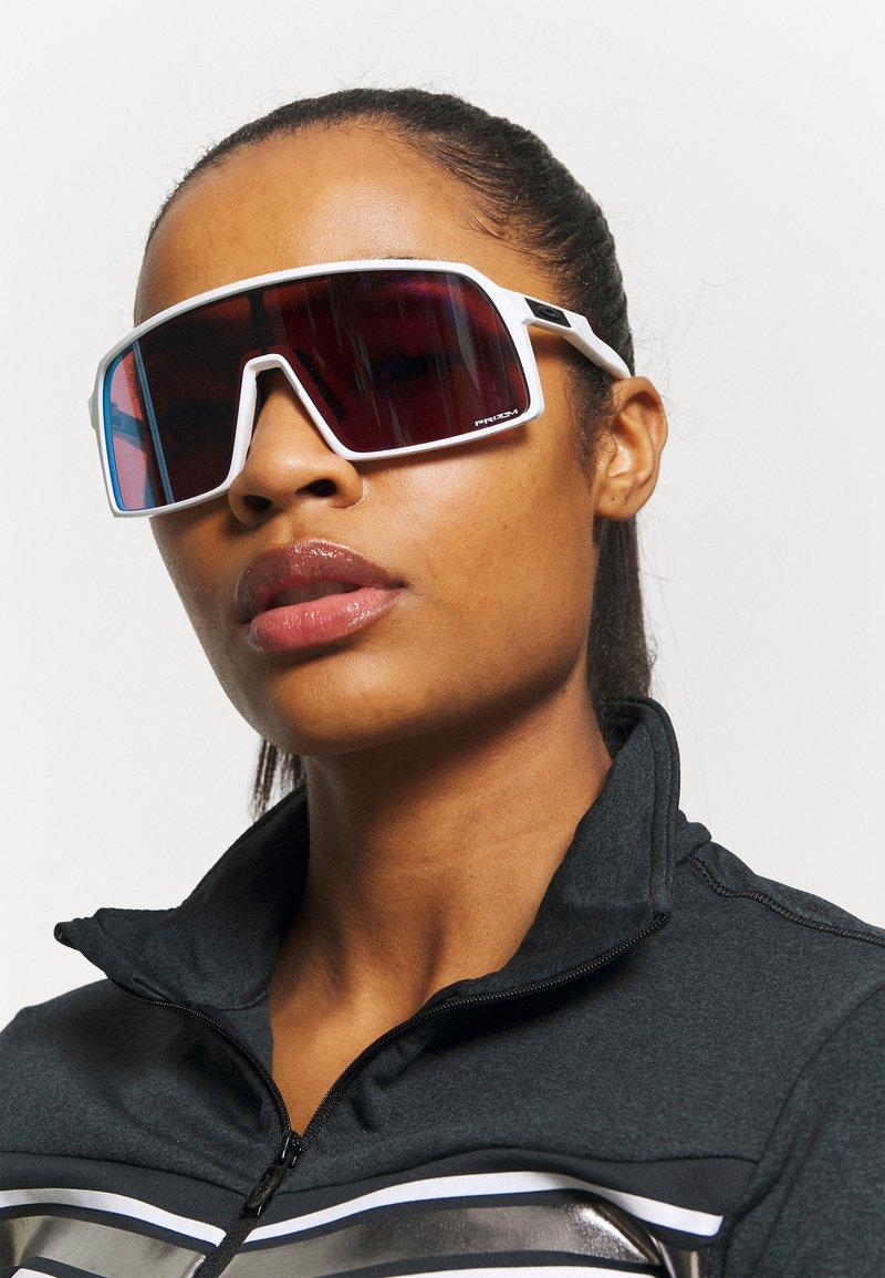 Oakley - SUTRO UNISEX - Sports glasses - polished white