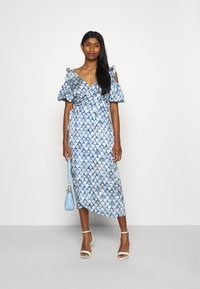 Never Fully Dressed - MARBLE PRINT COLD SHOULDER WRAP - Day dress - blue - 1