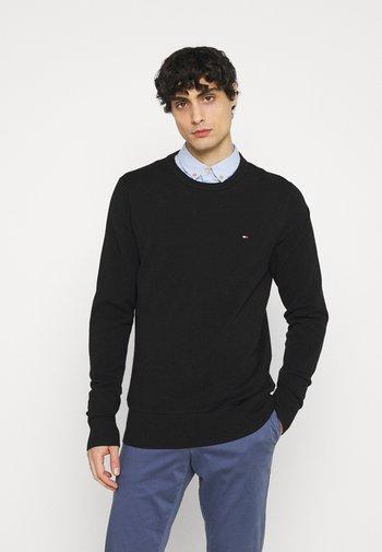 CREW NECK - Stickad tröja - black