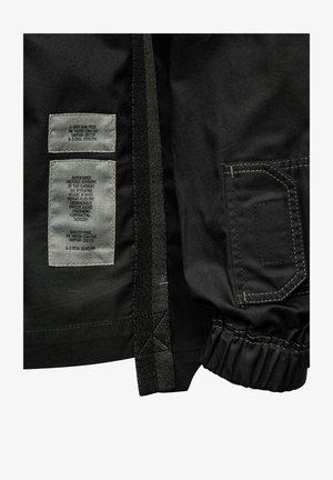 MULTI SLANT POCKET RELAXED  - Overhemd - dk black