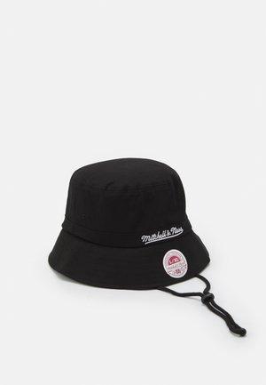 BRANDED BUCKET HAT - Muts - black