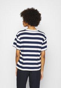GAP - EASY TEE - Print T-shirt - navy/white - 2