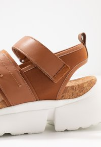 Shoe The Bear - MALA SPORT  - Platform sandals - tan - 2