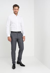Selected Homme - SLHSLIMBROOKLYN - Camicia elegante - bright white - 1