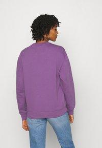 Carhartt WIP - CARHARTT - Sweatshirt - aster/white - 2