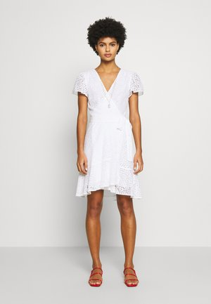 LACE WRAP DRESS - Vestito estivo - white