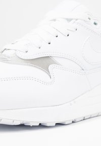 Nike Sportswear - AIR MAX 1 - Trainers - white - 2