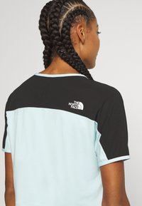The North Face - W ACTIVE TRAIL - Print T-shirt - starlight blue - 5
