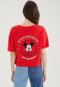 DeFacto - DISNEY - Print T-shirt - red - 2