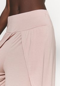 South Beach - WRAP SPLIT YOGA PANT - Tracksuit bottoms - adobe rose - 5