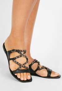 Inuovo - Chaussons - black blk - 0