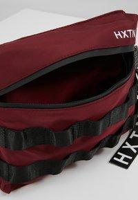 HXTN Supply - UTILITY TAPER CROSSBODY - Bum bag - burgundy - 4
