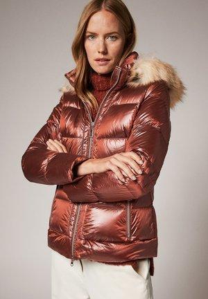 Down jacket - brown