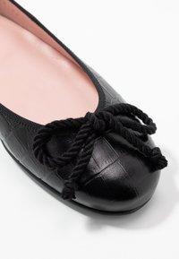 Pretty Ballerinas - TEMPO - Baleríny - black - 2