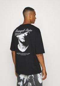 Zign - UNISEX - Print T-shirt - black - 0