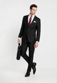 Bugatti - SUIT REGULAR FIT - Costume - black - 1